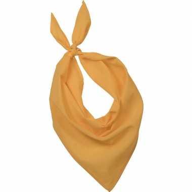 Gele basic bandana/hals zakdoeken/sjaals/shawls volwassenen carnavals