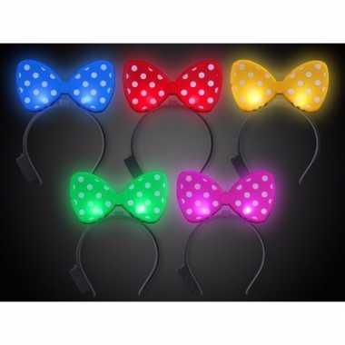 https://www.carnavalskleding-den-bosch.nl/img/269/1/carnavalskleding-gele-strik-haarband-verlichting.jpg
