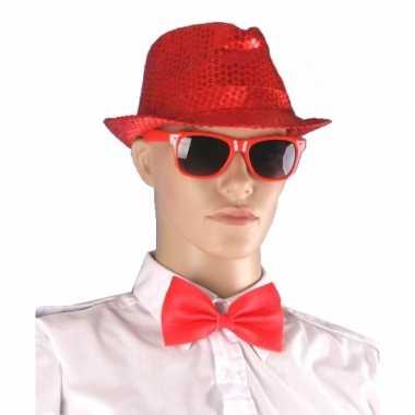 Carnavalskleding rood hoedje bril vlinderstrikje