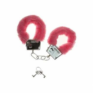 Roze handboeien pluche carnavalskleding Den Bosch