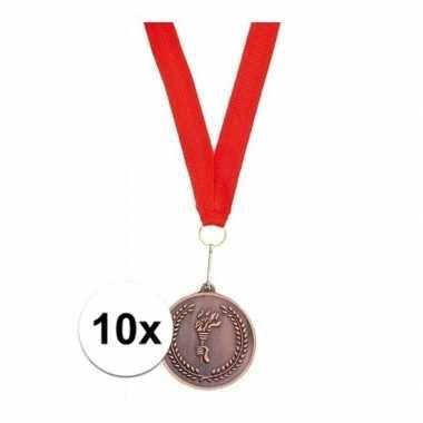 X medailles brons derde prijs aan rood lint carnavalskleding den bosc