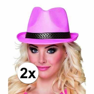 X roze toppers trilby hoed zwarte band carnavalskleding den bosch