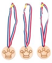 Carnavalskleding winner medailles kronen